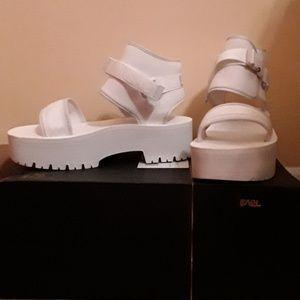 NWB Teva Indio Jewell Sz 10 Sandals